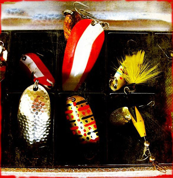 Fish hooks3